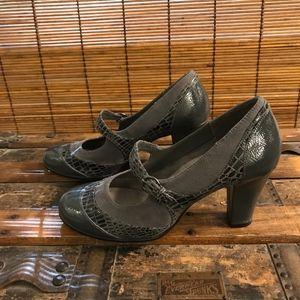 Gray Aerosole Heels